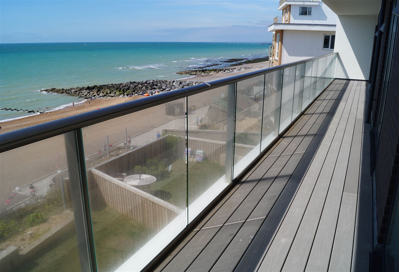 Guide To Installing Balcony Balustrades In Bondi.