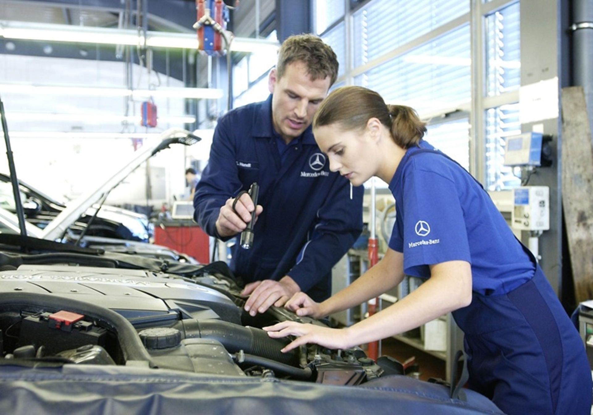Why Do You Need A Specialist Mercedes Service In Leichhardt?